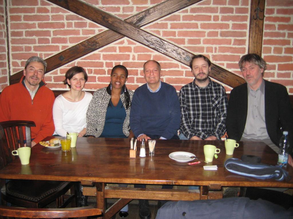 První zleva pan Schinko, ředitel organizace Světlo pro svět, uprostřed paní Nigussie vedle pana Lupoměského, ředitele organizace Neslyšící snadějí.